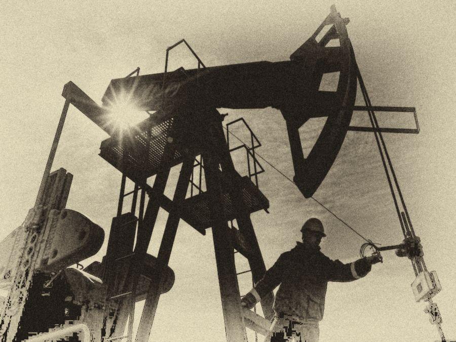 Petrolio al bivio: i possibili scenari