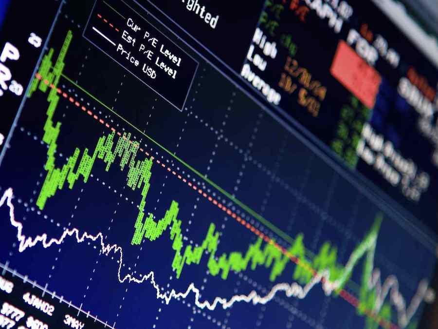 Oro: prezzi in bilico, ma il trend è rialzista
