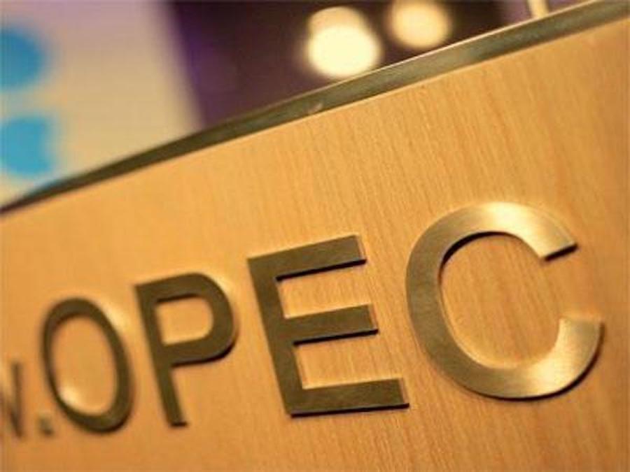 Petrolio, OPEC: conformità totale e scorte nel mirino