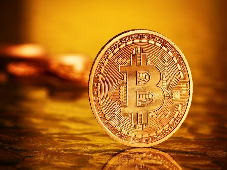 BitCoin: una frenesia che vale due volte l'Oro