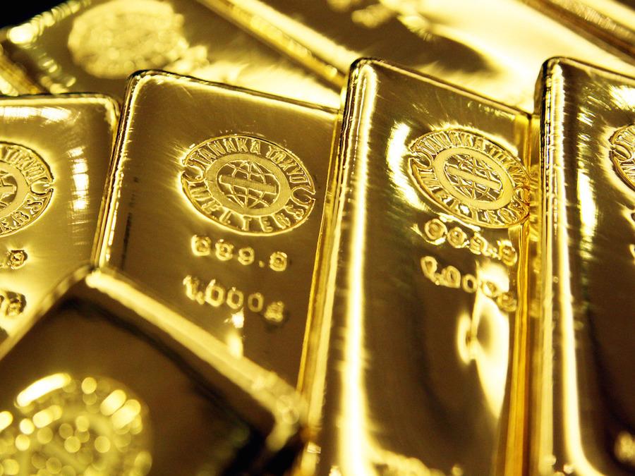 Oro: le prospettive USA deprimono i prezzi