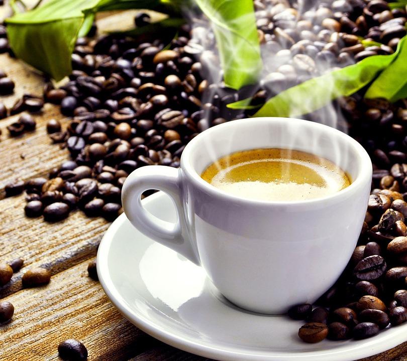 Caffè: il Brasile spera nelle piogge