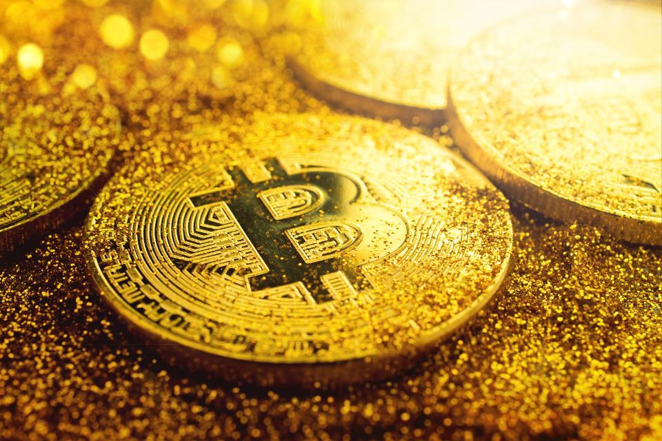 Goldman: le Cryptovalute possono avere successo nelle vesti di denaro reale