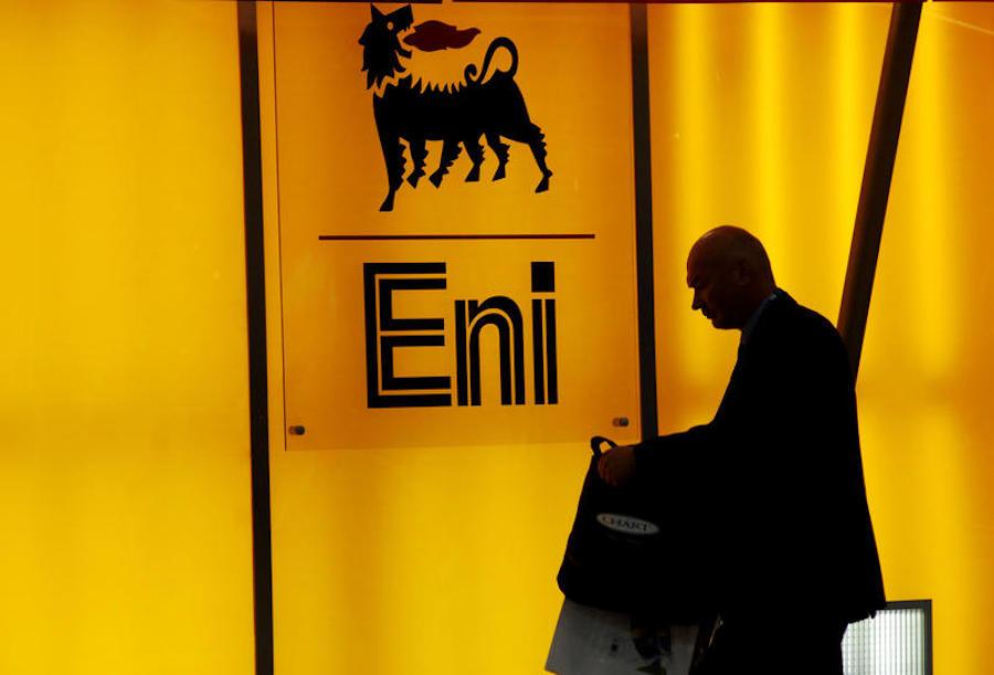Petrolio: ENI tratta con il Qatar la vendita di una quota del gigante messicano