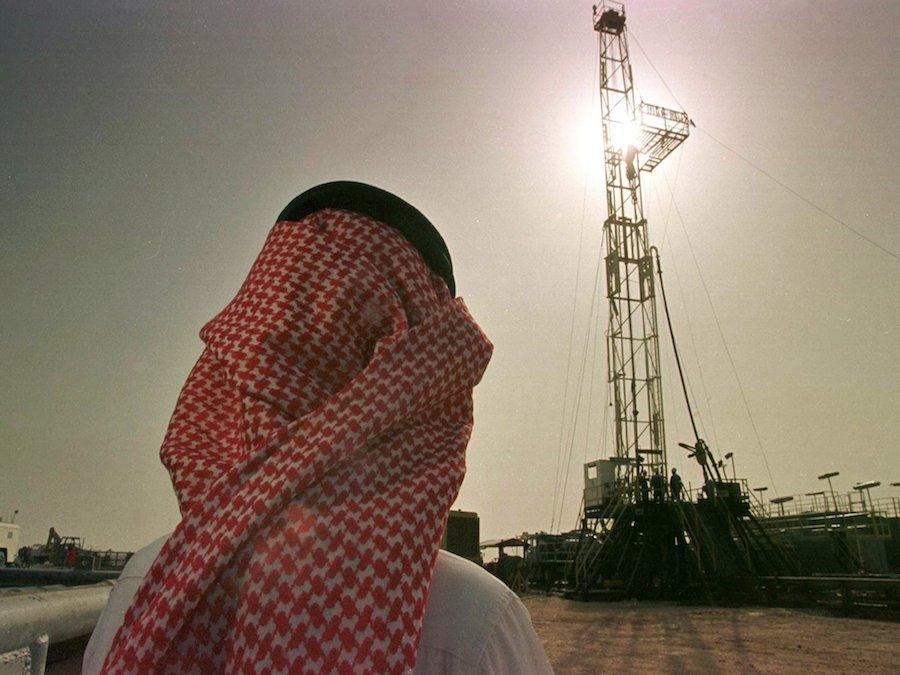 Petrolio: i prezzi bassi colpiscono le società del Medio Oriente